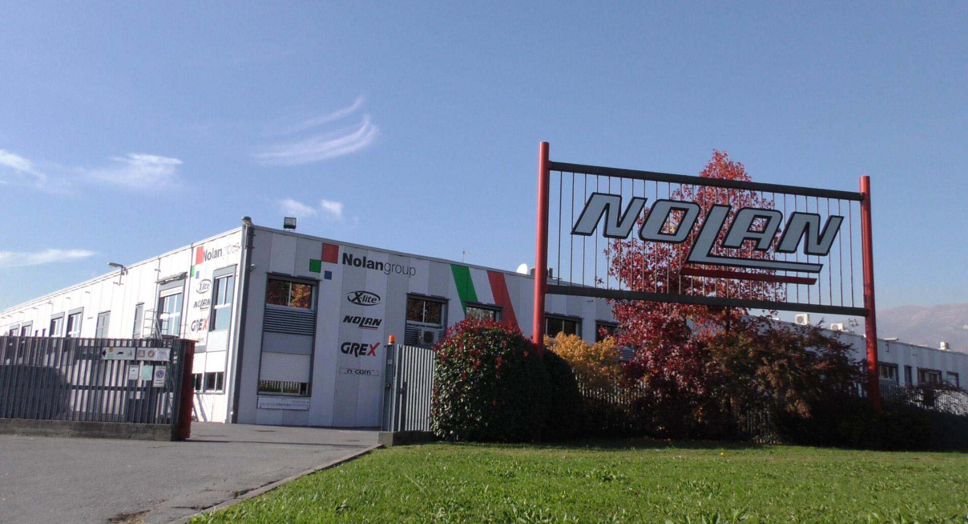 Un altra azienda italiana in vendita il turno di nolan for Azienda italiana di occhiali