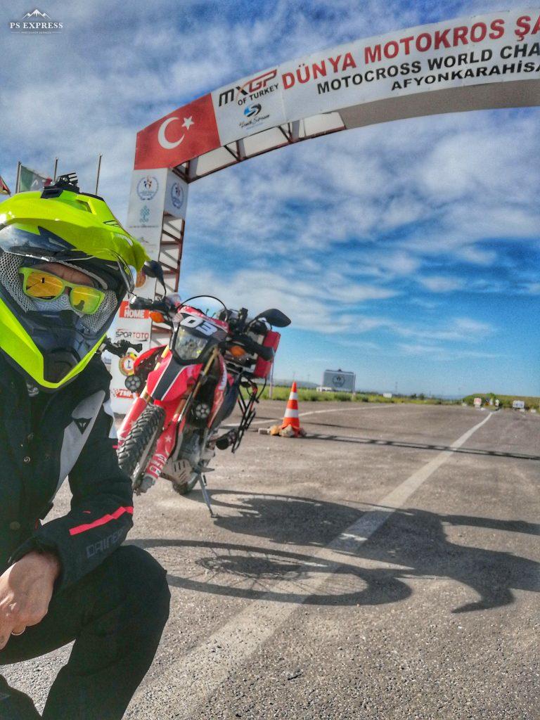 Şule non è una motocilista come tutte le altre